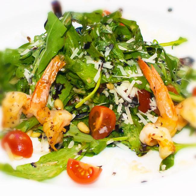 Салат с морепродуктами и рукколой рецепт очень вкусный